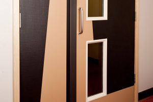 door edge protectors & door protection panels & clapping lath